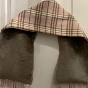 Burberry London Cashmere and Shearling scarf